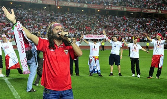FRANCE FOOTBALL INCLUT DANS SON « TOP 5 » L'HYMNE DU CENTENAIRE DU FC SEVILLE