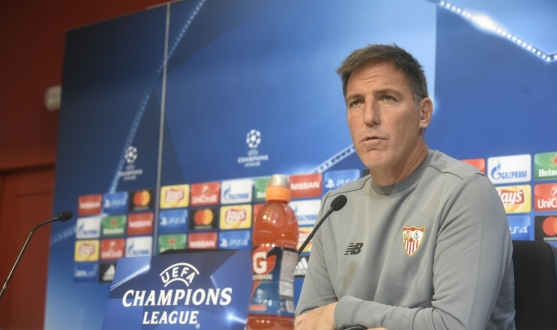 Eduardo Berizzo at the press conference