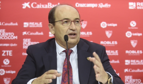 José Castro at the presentation with Philips