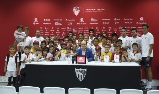 'Chat with your idol' with Sevilla FC president José Castro