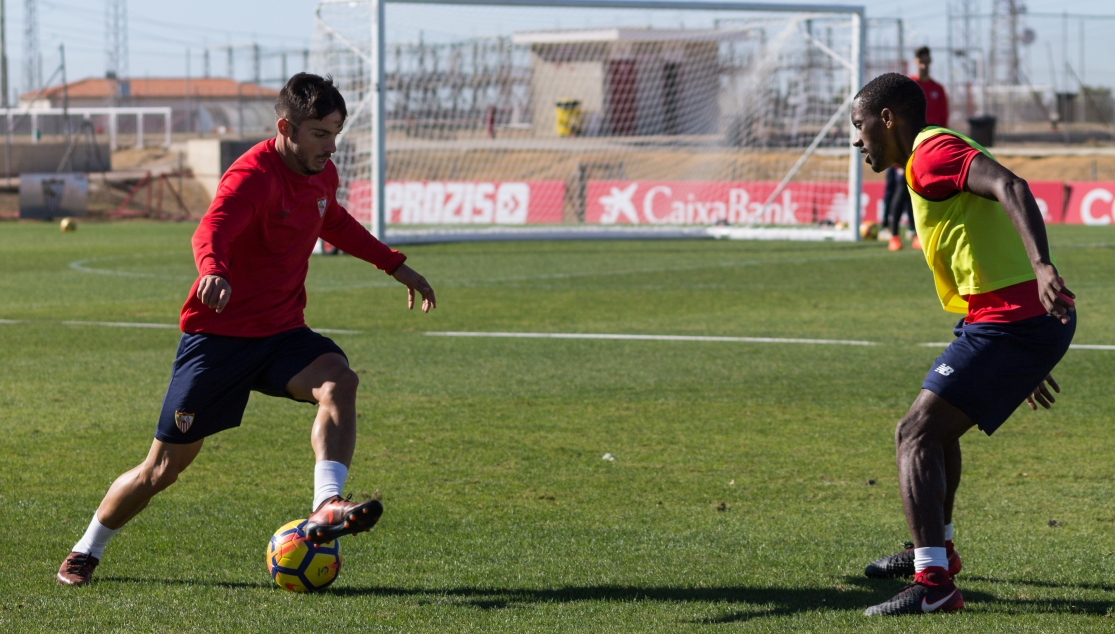 Sarabia and Carole training with Sevilla FC