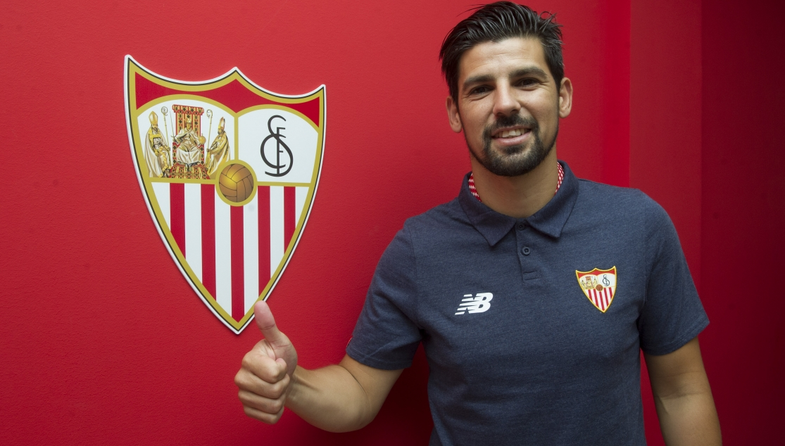 Nolito after signing his contract