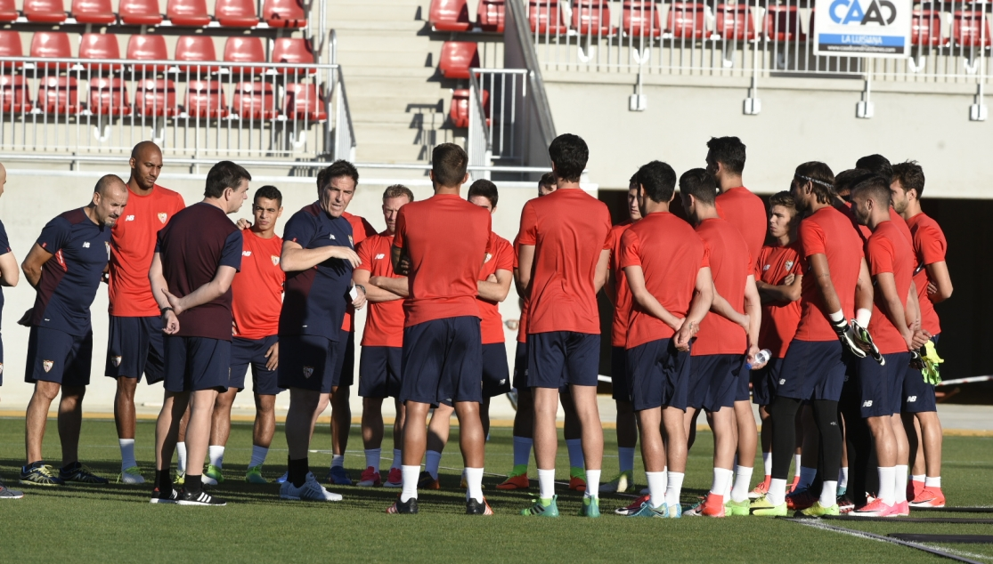The first Sevilla FC training session of the 2017/18 season