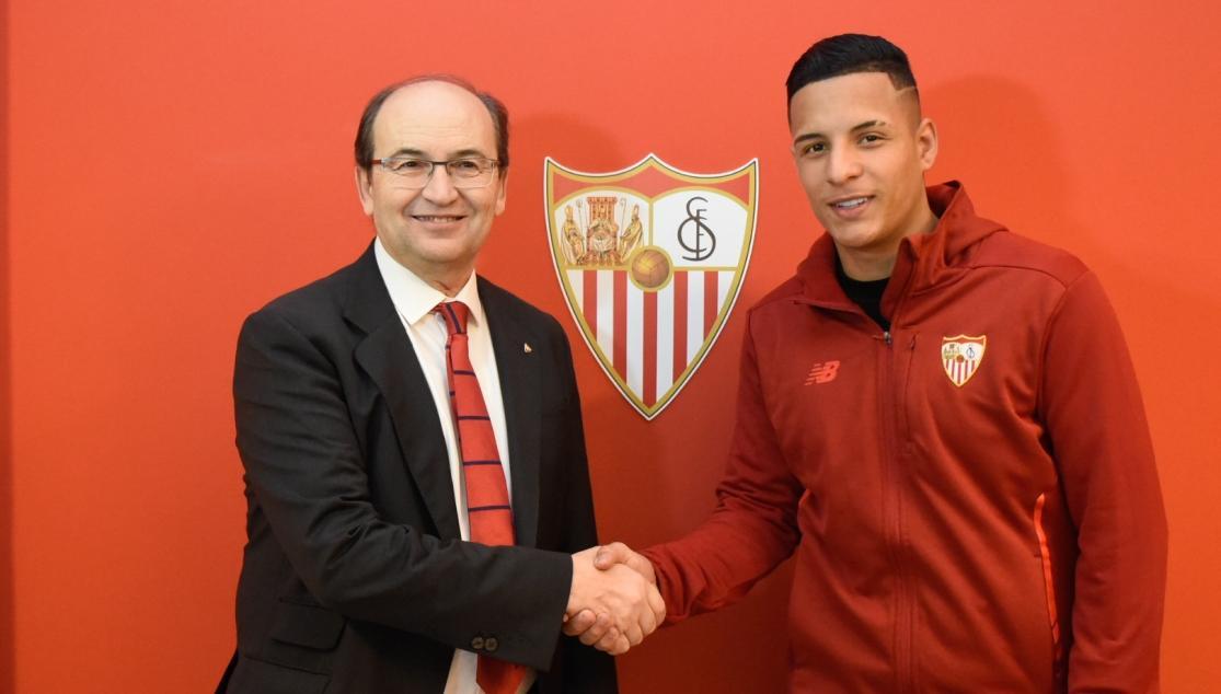 firmaarana Arana ya es jugador del Sevilla - Comunio-Biwenger